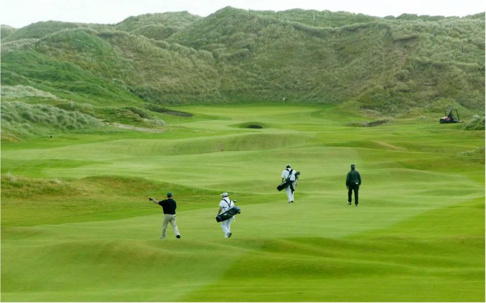 Golfeurs sur le parcours de Doonbeg