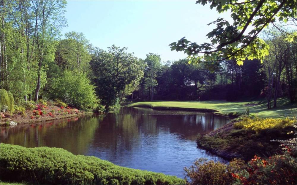 Obstacle d'eau et green sur le parcours de Druids Glen