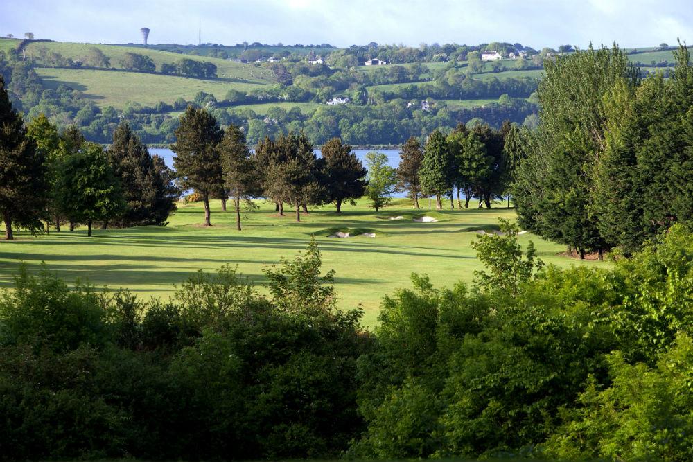 Fairway sur le parcours de golf de Cork en Irlande