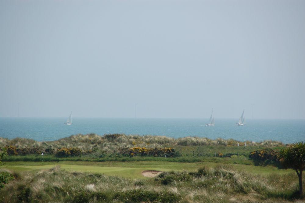 Trou dans les dunes proche de la mer sur le parcours de Arklow