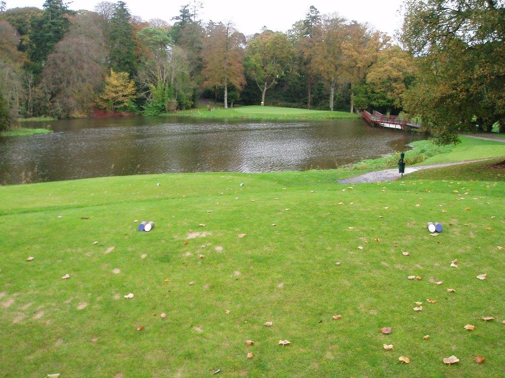 Départ et lac sur le parcours de Carton House (O'Meara)