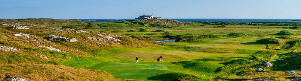 Joueurs sur le golf de Connemara en Irlande