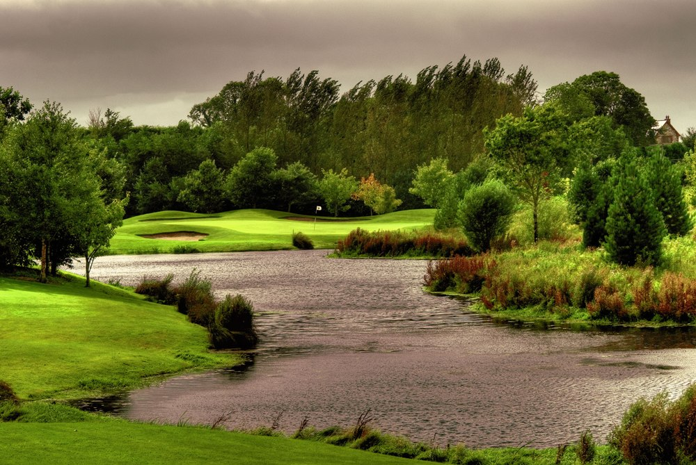 Green et lac sur le parcours de Mount Wolseley
