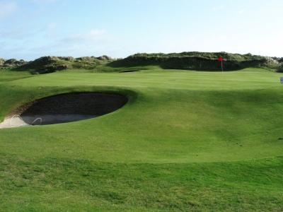 Green et bunker sur le parcours de Portmarnock Links