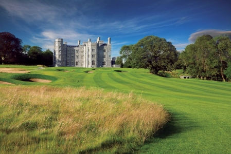 Chateau sur le parcours de Killeen Castle