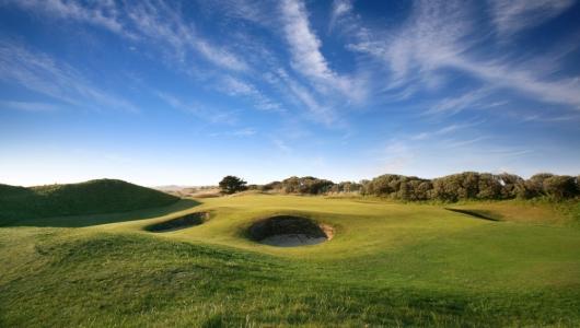 Green et bunker sur le parcours de Portmarnock