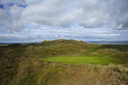 Green et dunes sur le parcourse de Enniscronne