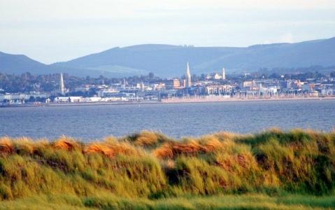 vue depuis le parcours de St Anne's sur la ville de Dublin