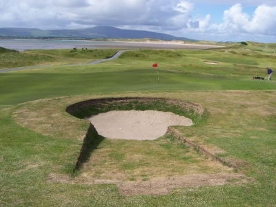 Bunker sur le golf de Strandhill en Irlande