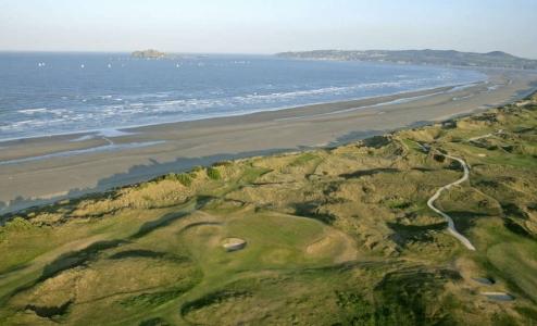 Vue aérienne du golf de Portmarnock Links en Irlande