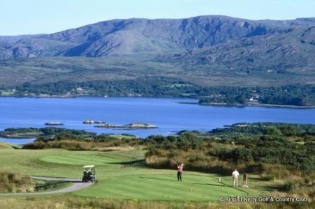 Golfeurs au départ sur le parcours de Ring of Kerry