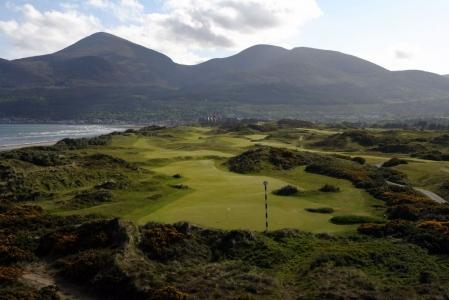 Vue sur les montagnes sur le parcours de Royal County Down