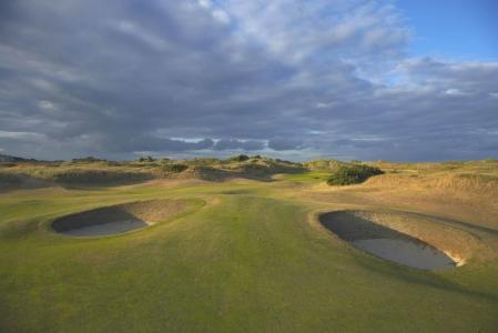 Bunkers du golf de Portmarnock Links en Irlande