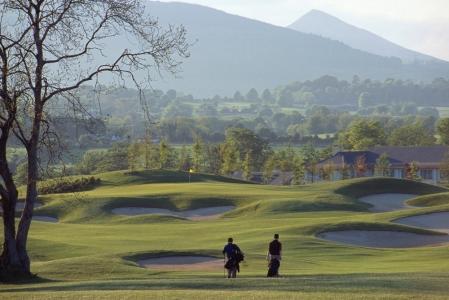 Golfeurs sur le parcours de Duids Heath