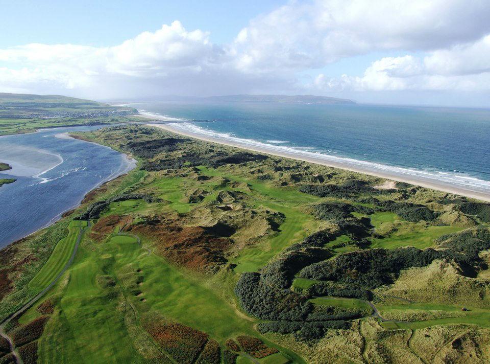 Vue aérienne du parcours Strand à Portstewart