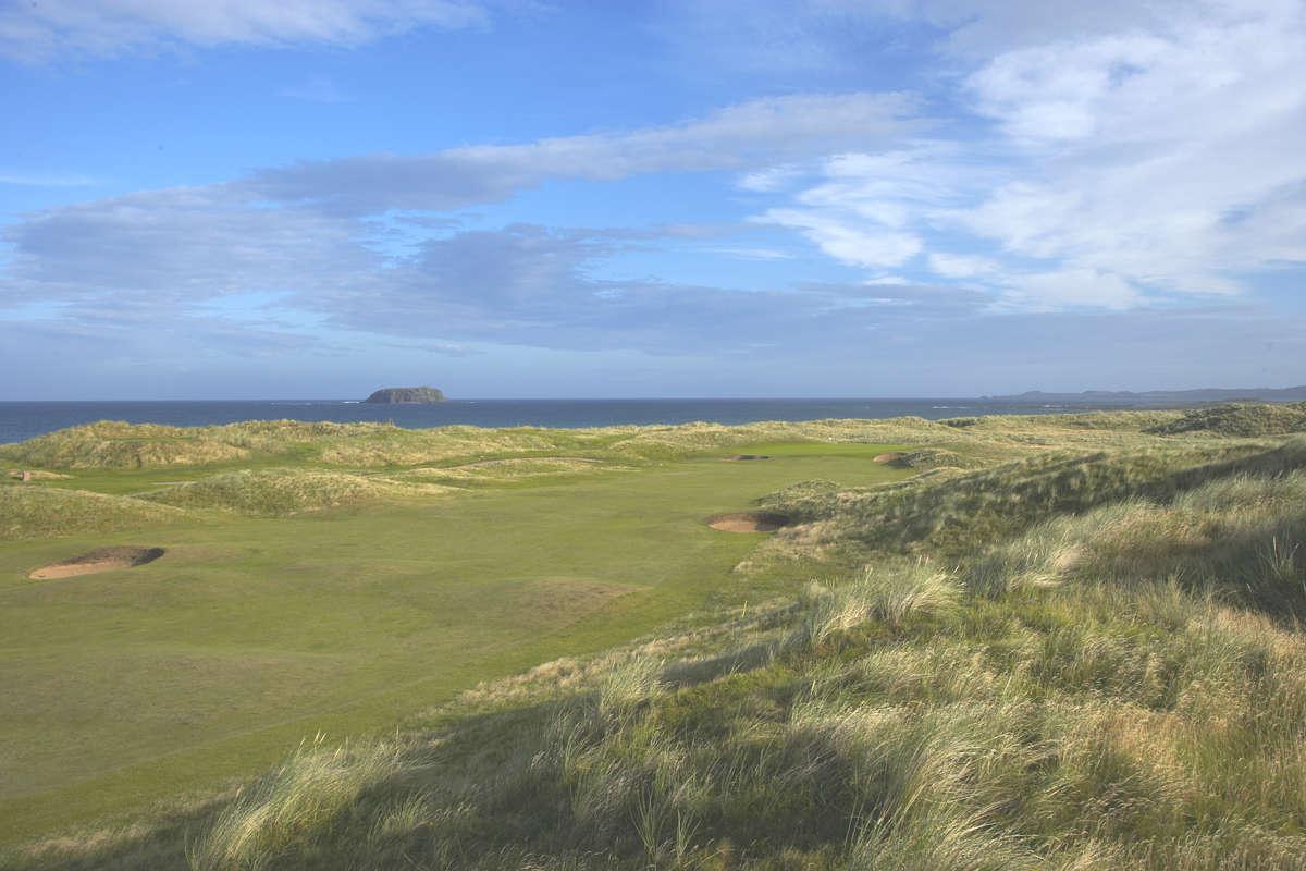 Fairway du golf de Ballyliffin Glashedy en Irlande