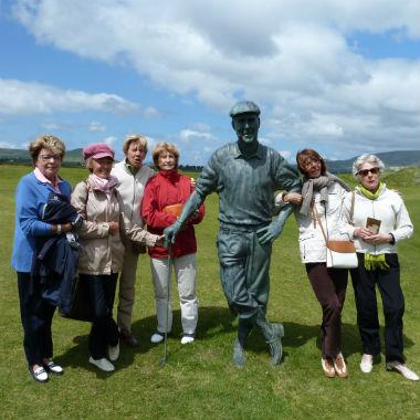 Groupe de femmes en séjour de golf en Irlande